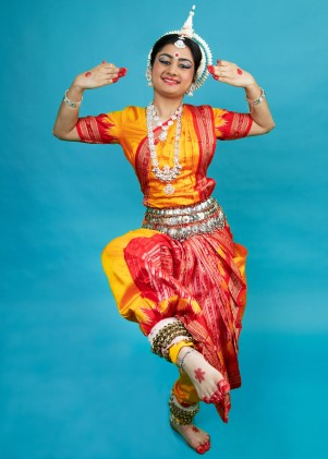 Zoya performing traditional Odissi dance.