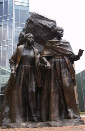 The Edmonson Sisters sculpted by Erik Blome
