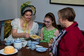 Girls Tea with Dolley Madison
